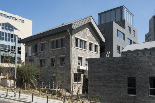[건축과 도시 -돈의문 박물관마을] 옛것 살리고 새것은 더하고...100년의 시간 간직한 추억마을