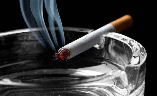 인종 차별 체험한 10대, 흡연율 높다