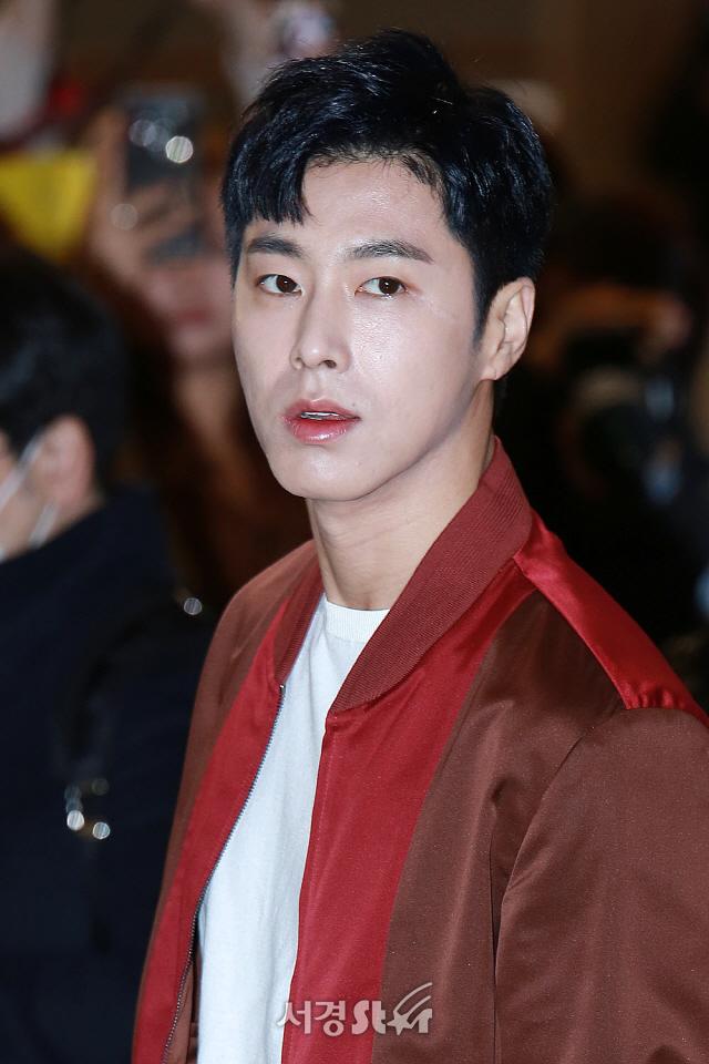 동방신기 유노윤호, '카리스마 폭발하는 정비드' (공항패션)