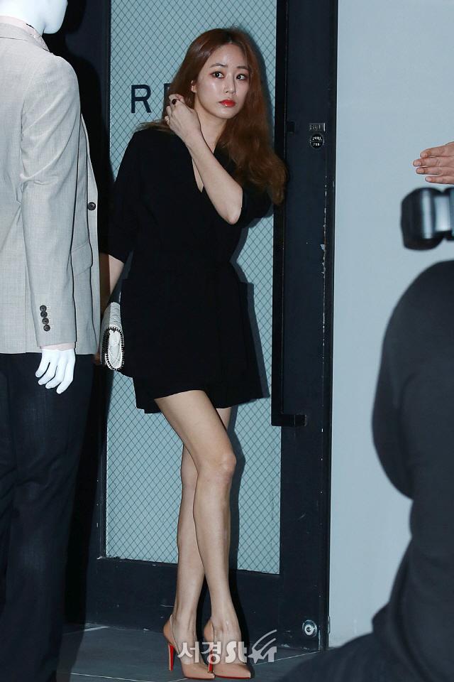 김효진, '수많은 취재진에 화들짝!'