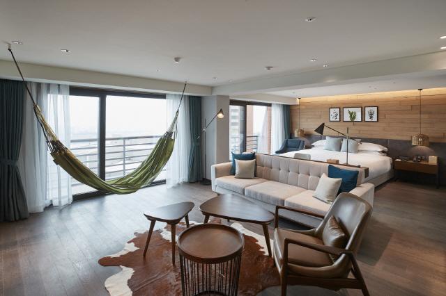 [HOTEL & RESORT]워커힐 더글라스 하우스, '성공한 어른을 위한 프라이빗한 휴식'