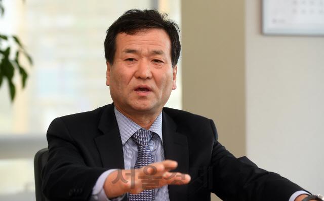 [서경이 만난 사람] 김재철 코스닥협회장 '정부, 코스닥 시장 살려놓고 기업 내실 개선에는 무관심'