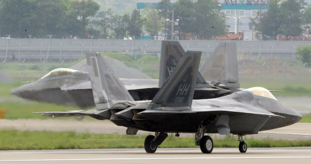 송영무-브룩스 긴급회동…美전략폭격기 B-52 맥스선더 불참