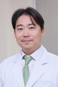 [건강 팁] 20~30대에 많은 강직척추염...치료 안하면 척추 점차 굳어