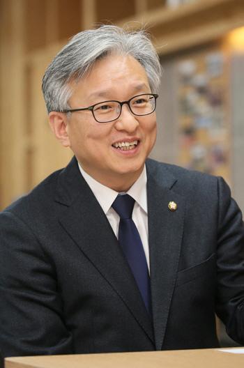 권칠승 의원 '현충원 안장 친일파 63명 강제 이장법 추진'