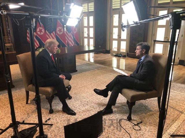 """[북미정상회담]트럼프, ABC인터뷰서 """"김정은, 모든 곳을 비핵화할 것"""""""
