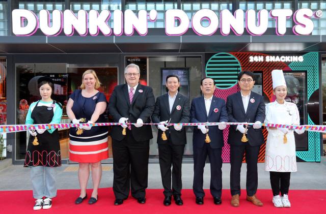 SPC그룹 던킨도너츠, 스낵 메뉴 강화한 '강남본점' 오픈