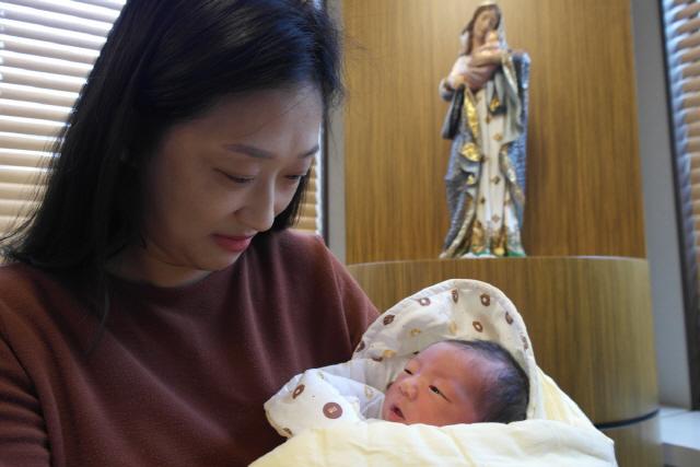 눈물의 난임시술 6번…48세 엄마, 자연임신 성공기