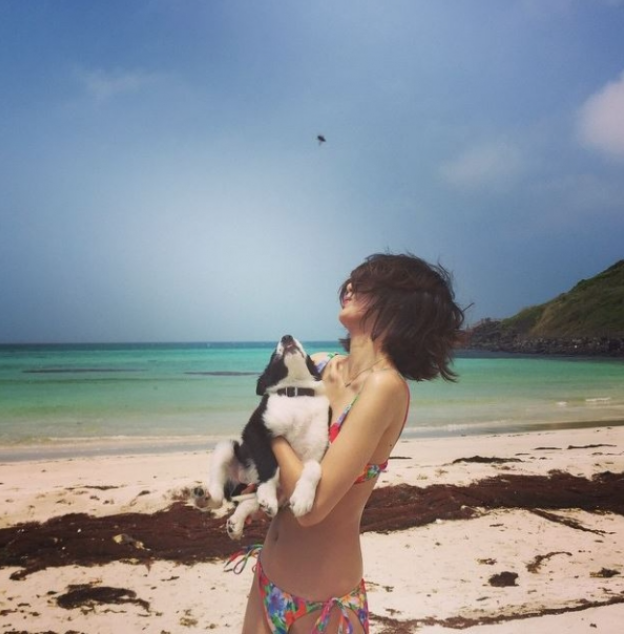 김부선 딸 이미소, 환상적인 비키니 몸매 과시