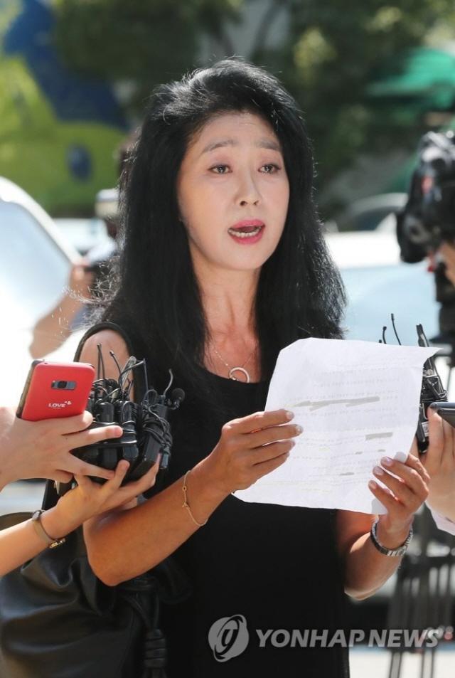 '경찰이 수상하다'…'이재명 스캔들' 김부선이 SNS에 올린 증거