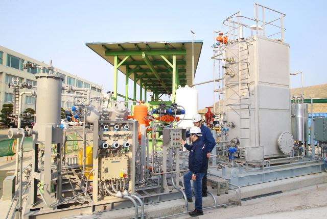 현대중공업, 세계 최초 LNG선 완전 재액화 실증 성공