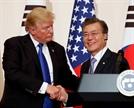 """84일 만에 통화한 한·미 정상··""""비핵화 협의·공조 지속"""""""