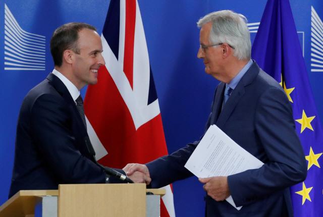 """英 브렉시트부 장관 """"EU와 합의 가시권 내 있다"""""""