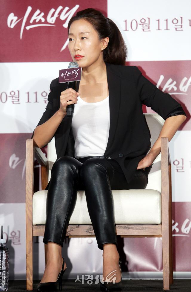 """[현장] '미쓰백' 감독 """"첫 눈에 반한 한지민· 캐릭터 소화력 200% 이희준"""" 칭찬"""
