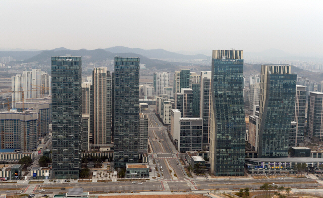 포스코건설, 송도국제지구 파트너 교체