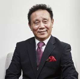 휴넷, 회장으로 권대욱 전 아코르 앰버서더 사장 영입