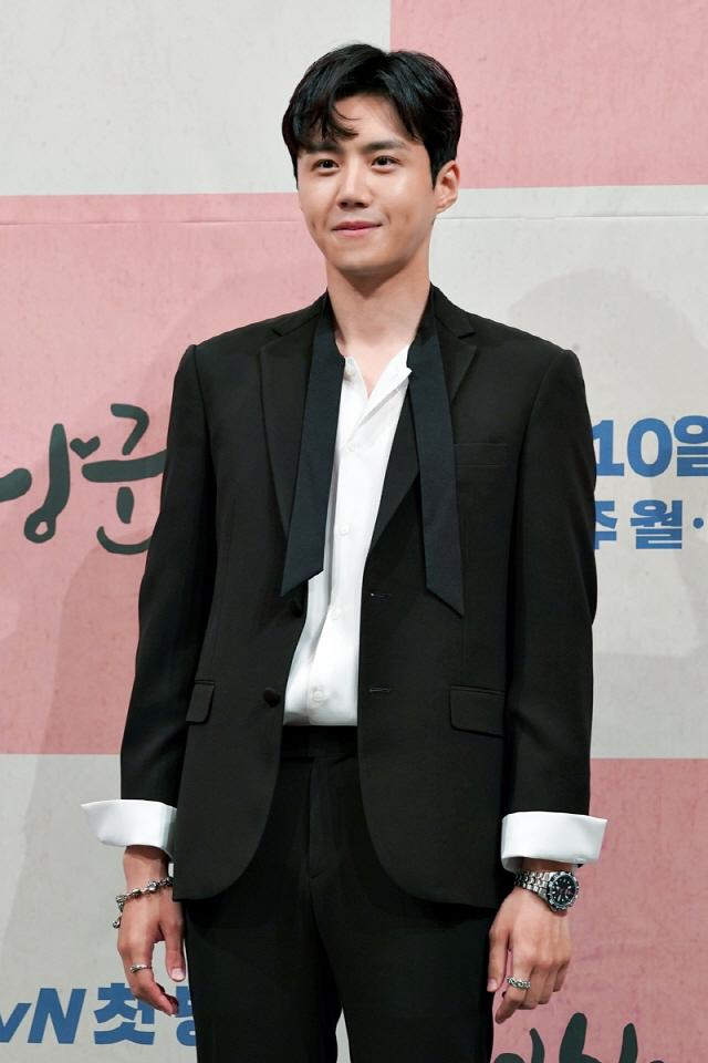 [공식] 김선호, 솔트엔터테인먼트와 전속계약…박신혜·김정화와 한솥밥