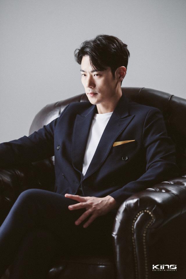 [공식] 김강우, MBC '아이템' 출연 확정…주지훈과 대립
