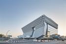 [건축과도시-코오롱 one&only타워] 식물원 옆 'R&D 기지'...녹색 품고 첨단을 덧입다