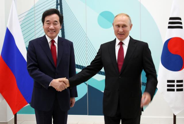 [동방경제포럼]푸틴 '한러 관계 흡족…모든 분야서 진전 중'