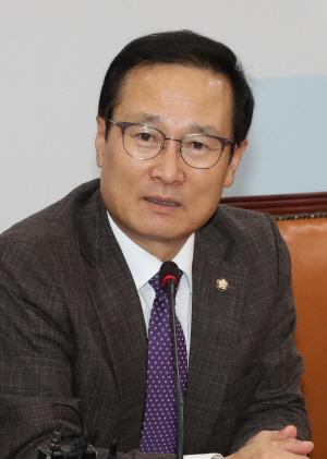 """홍영표 """"부동산대책에 '토지공개념 강화' 포함"""""""