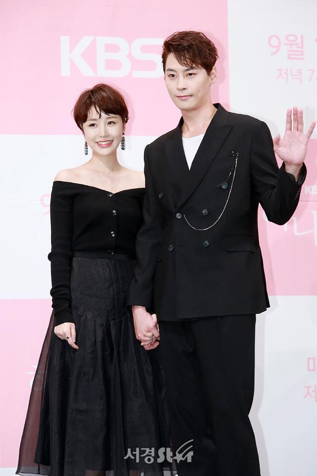 윤진이-정은우, '헤어도 의상도 완벽한 커플' (하나뿐인내편)