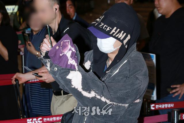아이콘(iKON) BOBBY, '느낌만 봐도 바비가 확실!' (공항패션)