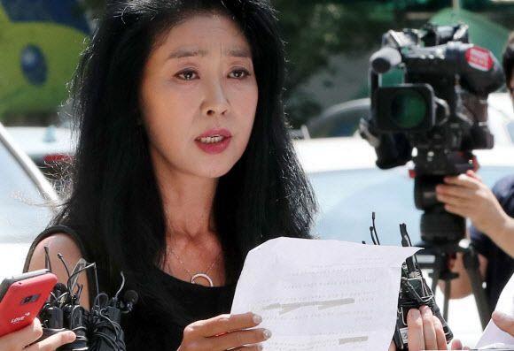 '이재명 스캔들' 김부선, 변호사 선임…14일 경찰 출석