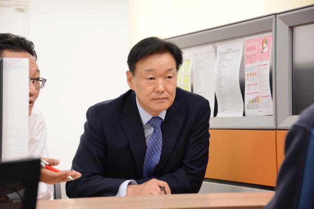 이계문 서민금융진흥원장, 금융·복지 양방향 서비스 100일 맞아 현장 점검