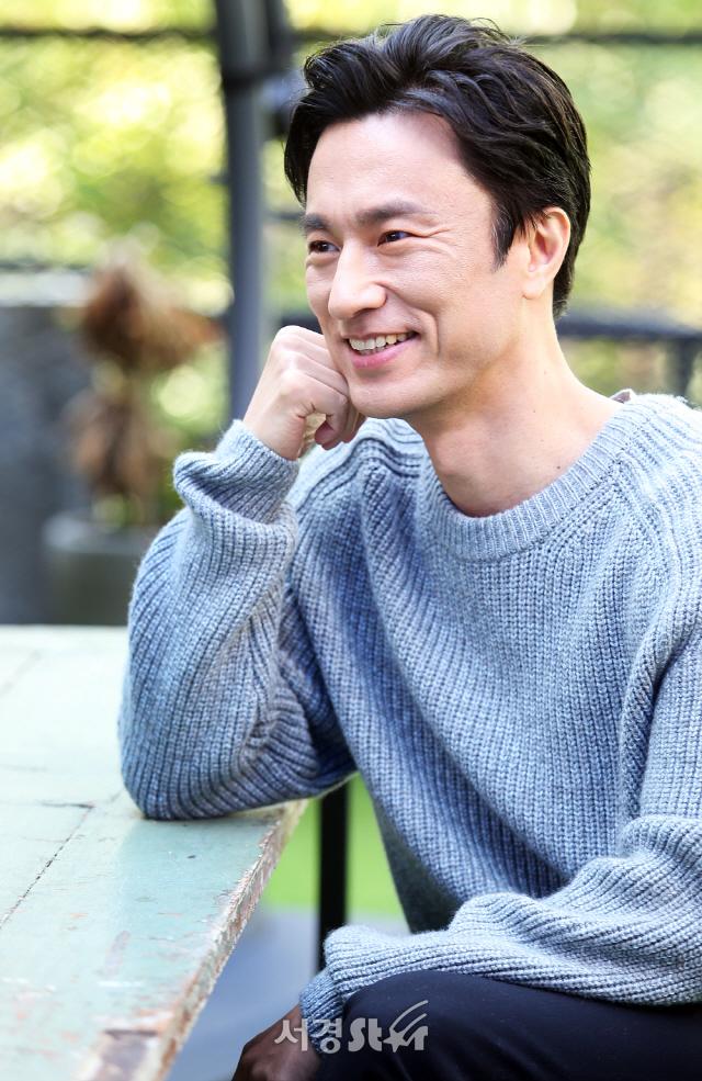 "[SE★인터뷰] '미션' 김병철, ""유머 빛나..김은숙 작가의 대본만 읽어도 재미있어"""