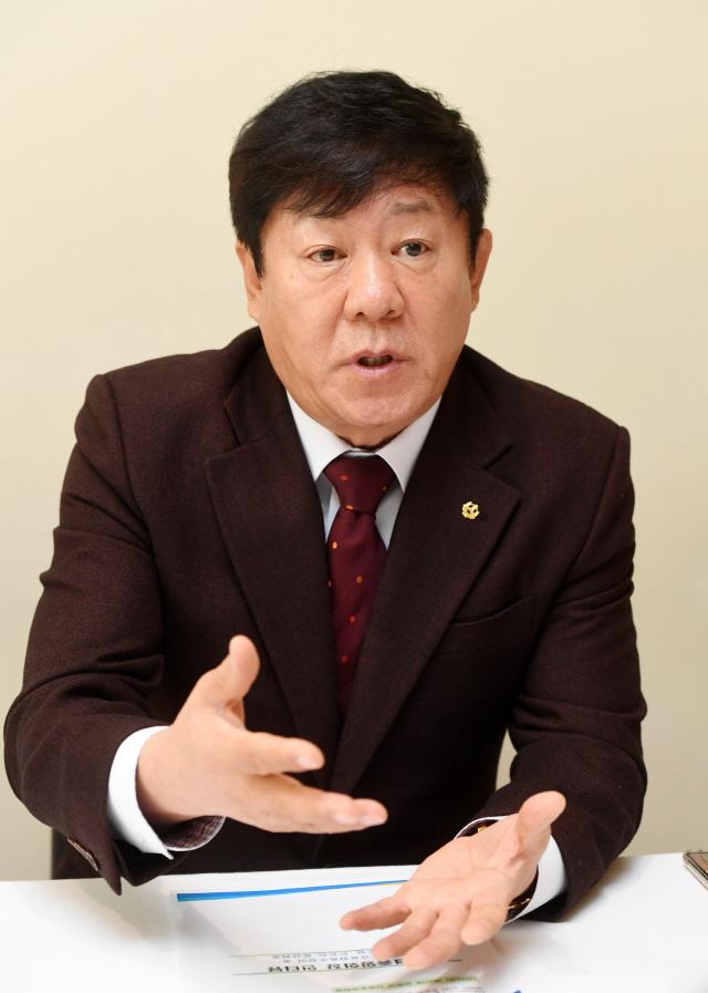 [서경이 만난 사람- 김윤식 신협중앙회장]지시사항은 48시간내 실행...'열정 퍼스트' 외치는 CEO