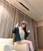 박봄, 인형같이 뽀얀 열굴에 11자 롱다리 '몸매 회복' 컴백에 시동 거나