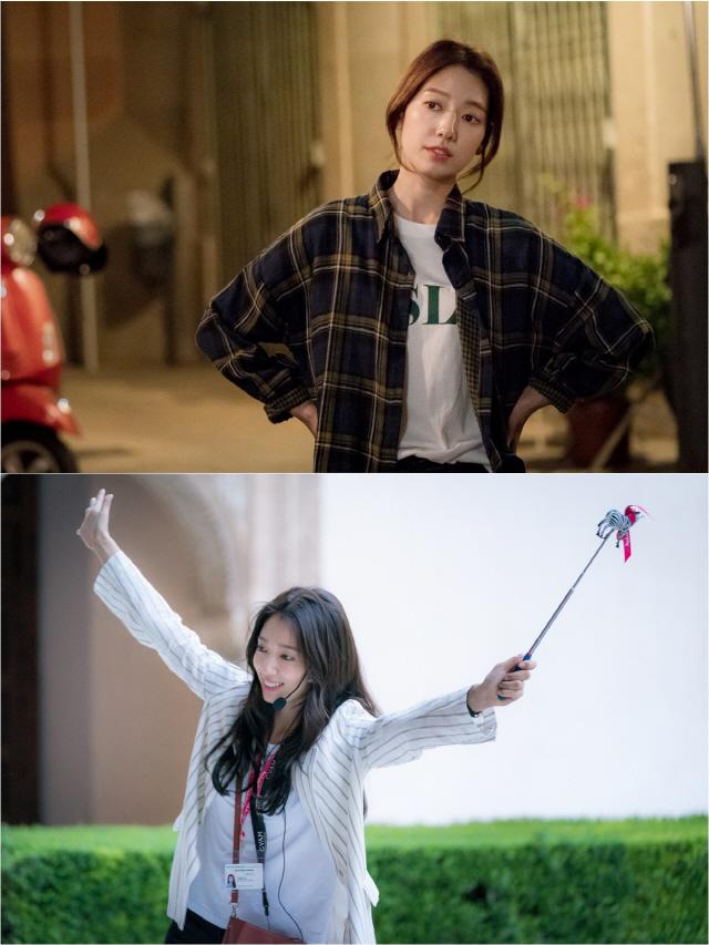 '알함브라 궁전의 추억' 박신혜, 첫 스틸 공개…현빈과 마법 같은 로맨스
