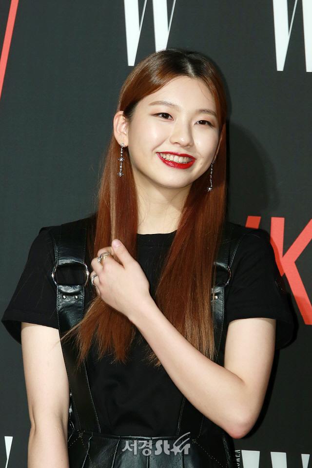 김진경, '순수한 미소'