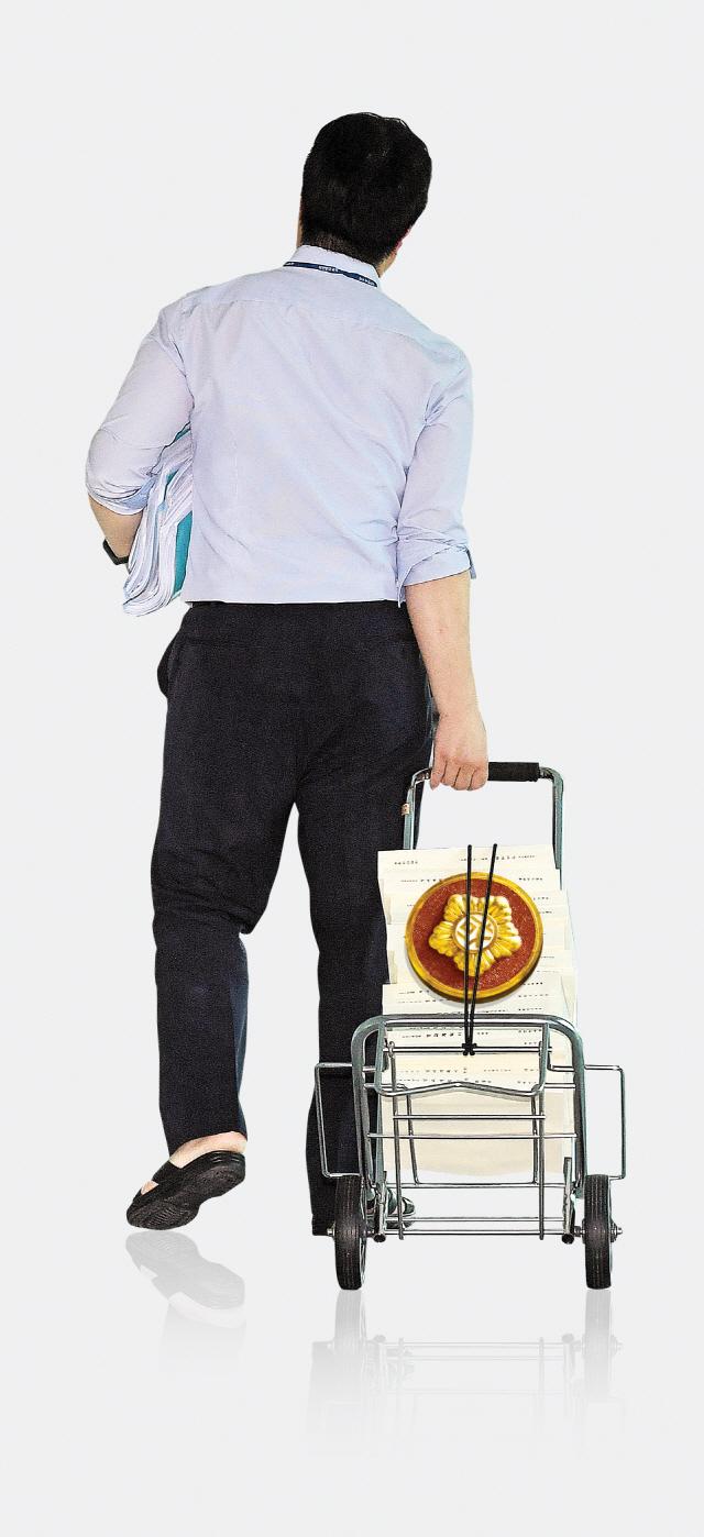 [토요워치]'正'治 꿈꾸는 여의도의 미생...나는 국회의원 보좌관입니다.