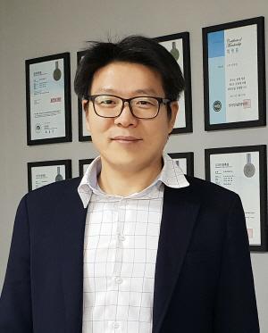 [시그널] 보조배터리社 '디자인' '상장 직후 배터리 공유사업 진출할 것'