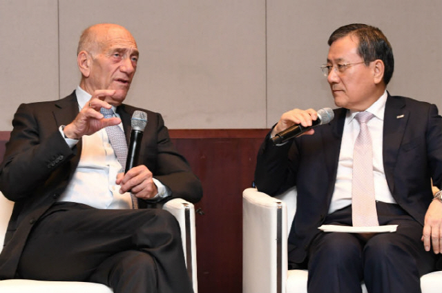 [ABF in Seoul] Olmert advises Korean industry to prepare for future