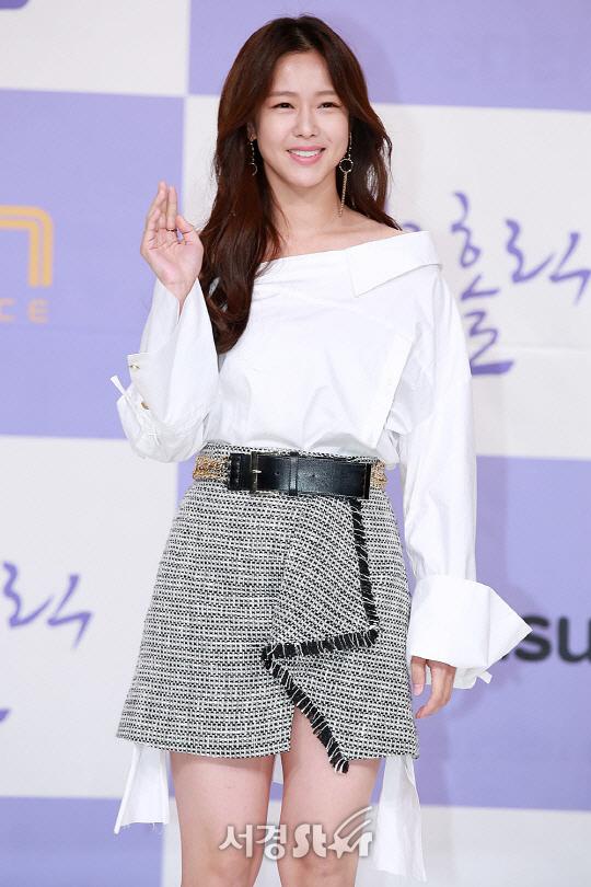"""[공식] 경수진, YG와 전속계약 """"전방위적 활동 지원"""""""