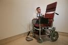 스티븐 호킹 휠체어, 4억3,000만원에 낙찰…예상가 20배 달해