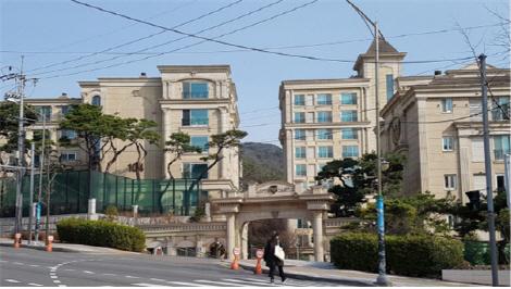 [시그널]영화감독 강우석 소유 평창동 고급아파트 경매로
