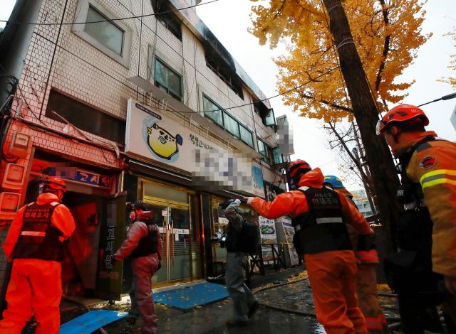 종로 고시원 화재 '입구쪽 불로 대피 어려워…대부분 일용직 노동자'
