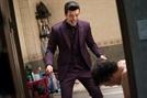 '성난황소' 김성오, '신개념 웃는 악역' 탄생..'아저씨' '불한당'에 이어 독보적