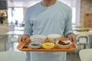 '혼밥' 하면 뚱뚱하다? 20대 평균 몸무게의 서글픈 진실