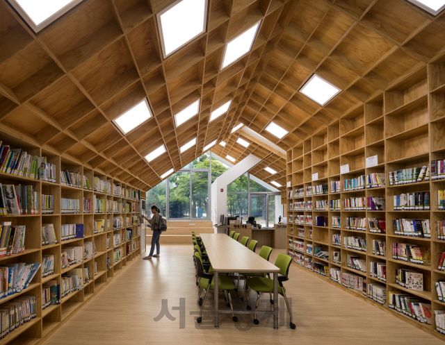 [2018 한국건축문화 우수상] 한내지혜의 숲. 버려진 공간에 탄생한 작은 도서관