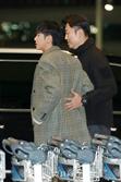 동방신기 유노윤호, '경호형님 반갑습니다~' (공항패션)
