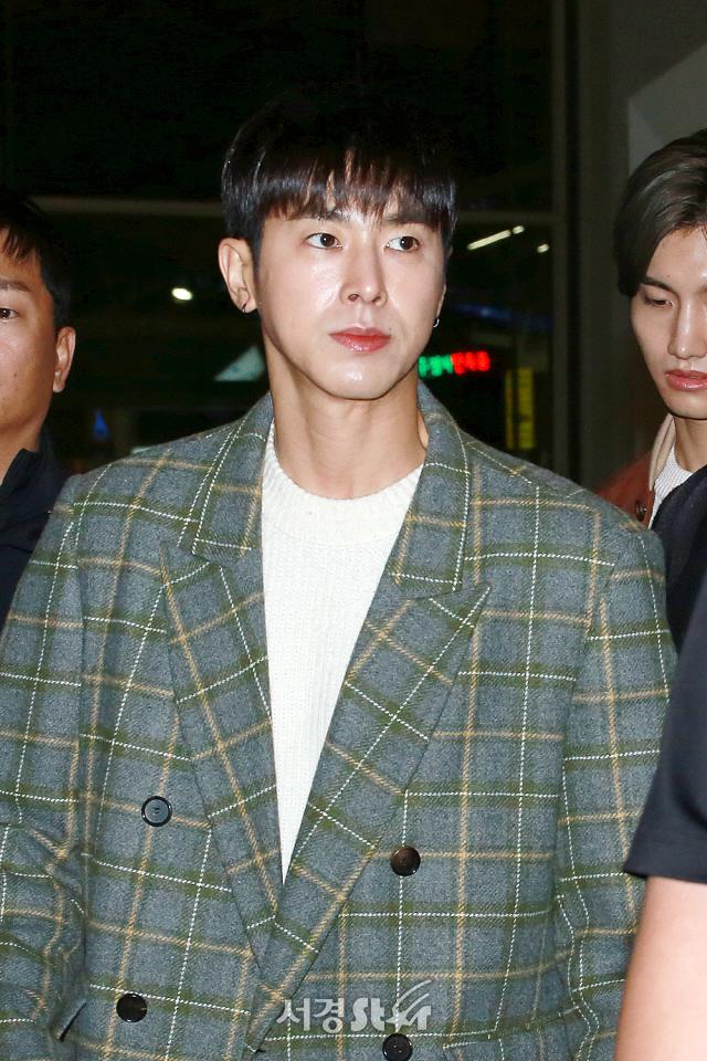 동방신기 유노윤호, '오늘 잘생김도 역대급' (공항패션)