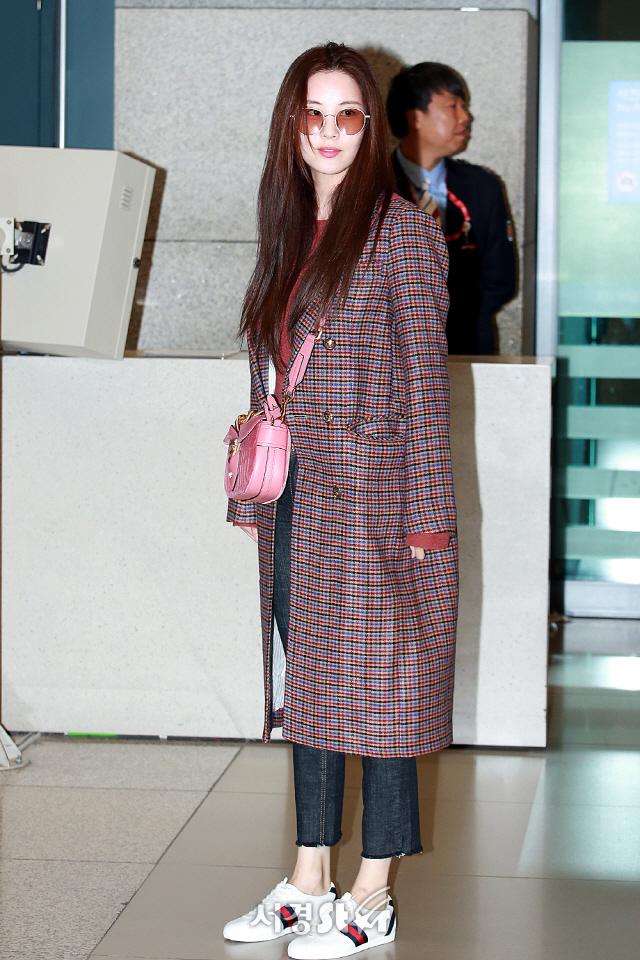 소녀시대 서현, '체크코트입은 소녀' (공항패션)