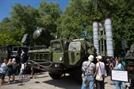 [백브리핑]'가성비' 앞선 러시아 방공미사일 S-400 국제 무기 시장서 인기