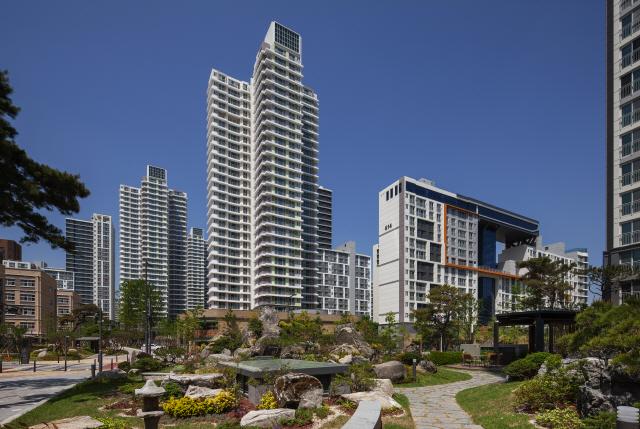 [건축과 도시-세종 중흥S-클래스 센텀시티] '성냥갑' 대신 가족·이웃 위한 집...'아파트의 미래'를 짓다