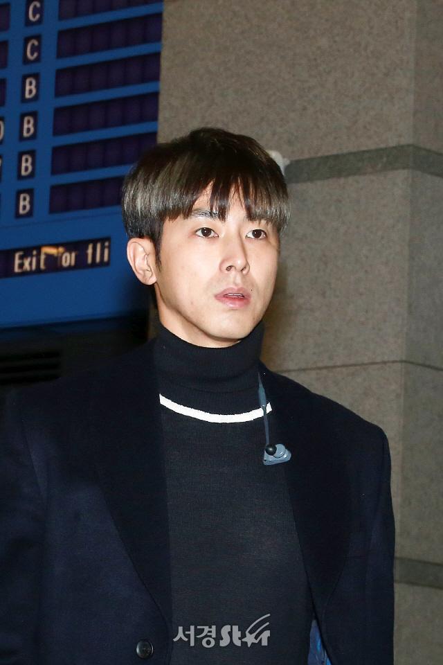 동방신기 유노윤호, '열정 넘치는 내추럴 미남' (공항패션)